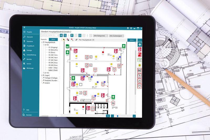 KEVOX-Management-Software auf dem Tablet PC mit Zeichnung und Plan